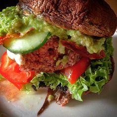 Paleo Burger mit Portobello Champignons Bild