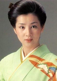 Sayuri Yoshinaga Japanese Screen, Japanese Film, Japanese Beauty, Japanese Kimono, Asian Beauty, Female Actresses, Actors & Actresses, Classy Girl, Fashion Face