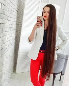 The next Rapunzel for the day is @helga_iakovleva    Our site is dedicated to the celebration of beautiful long hair. If you have long hair and would like to be featured on our instagram profile and website please send us a DM with your best hair picture.    #longhair #rapunzel #cabeloslongos #hairdiva #hairmodel #beautifulhair #hairgoals #instahair