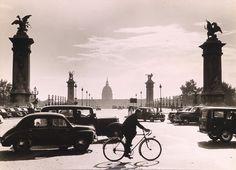DR. PAUL WOLFF & ALFRED TRITSCHLER,   Paris, Pont Alexandre III.1930s
