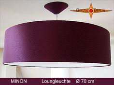Loungeleuchte MINON D 70 cm,  mit Diffusor und Baldachin. In tiefstem Bordeaux und aus feinster Satinseide mit floralem Jacquardmuster. Sie ist wirklich etwas ganz, ganz feines.