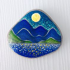 Colorful world of handmade and handpainted gifts - What inspires me most is to take rocks of different shapes and sizes and then transform them into something that can decorate peoples homes and lives :) Dot Art Painting, Mandala Painting, Pebble Painting, Pebble Art, Mandala Art, Stone Painting, Mandala Painted Rocks, Painted Rocks Craft, Hand Painted Rocks