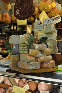 Florence Mercato~my cheese stop!