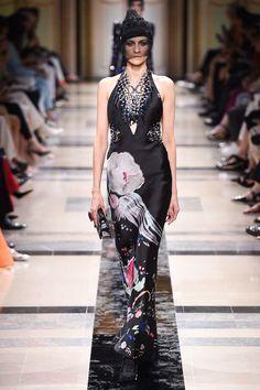 Armani Privé Fall 2017 Couture Fashion Show Collection