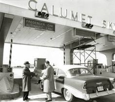 PHOTO – CHICAGO – CALUMET SKYWAY – AUTOMATED COIN-MACHINES INTRODUCED – 1958    PHOTO - CHICAGO - CALUMET SKYWAY - AUTOMATED COIN-MACHINES INTRODUCED - 1958