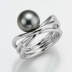 VON BARGEN'S JEWELRY Gellner G Ring 18K Gold, Pearl