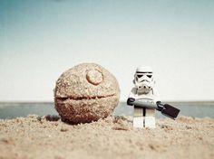 LEGO on - Star Wars Stormtroopers - Ideas of Star Wars Stormtroopers - Enlace permanente de imagen incrustada Lego Star Wars, Star Wars Stormtrooper, Star Wars Art, Images Star Wars, Star Wars Pictures, Legos, Star Wars Figure, Aniversario Star Wars, R2d2