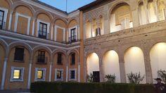 @aunahorade #JuegodeTronosSVQ #Aunahorade @RedGuadalinfo @tysaford @Cruzcampo de paseo por Sevilla