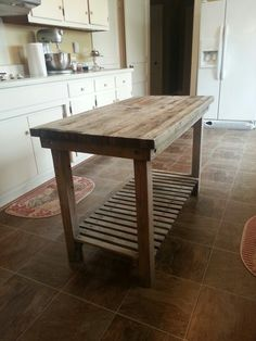 Kitchen Island from old pallets - use the deck boards