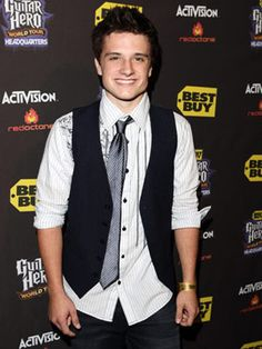 Josh. Hutcherson. is. so. adorable.