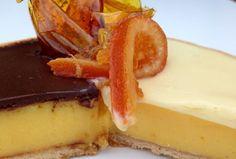 TARTA DE NARANJA CON CHOCOLATE BICOLOR - MY EUROPEAN CAKES Cheesecake, Desserts, Food, Monster High, Salads, Cake Recipes, Afternoon Snacks, Food Cakes, Pound Cake