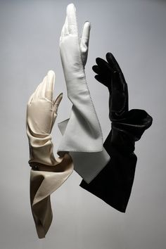 Gloves by Daniel Storto Hand Gloves, Mitten Gloves, Black Leather Gloves, Leather And Lace, Elsa Schiaparelli, Gloves Fashion, Fashion Accessories, Pierre Balmain, Caroline Reboux