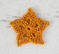 Adorable and quick crochet crochet star pattern is fun to make! #crochetstar #starcrochetpattern #crochetstars #crochetstarpattern #crochet365knittoo Crochet Dolls Free Patterns, Christmas Crochet Patterns, Crochet Designs, Crochet Christmas, Christmas Time, Christmas Ideas, Christmas Crafts, Christmas Ornaments, Crochet Stars
