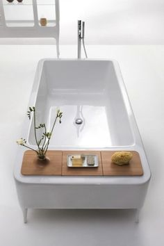 ORGANICO | BathtubRectangular bathtub, Design by Jaime Hayón  new shape of bathtub  #design #japan #bath