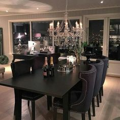 Black dining room table black dining room popular designs table and chairs tables ideas black dining Home Interior, Interior Design, Luxury Interior, Room Decor For Teen Girls, Dining Room Design, Living Room Decor, Kitchen Decor, Sweet Home, House Styles