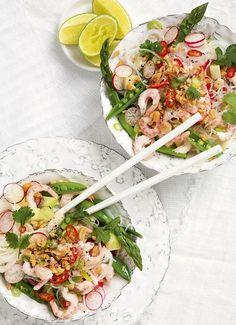 Fräsch och god thaisallad med räkor.
