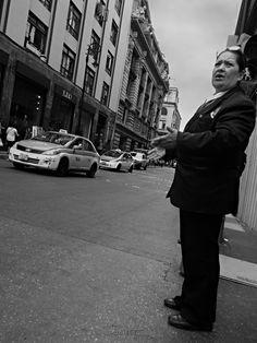 Vida cotidiana en las calles del centro histórico. Photo Javier Tijerino.