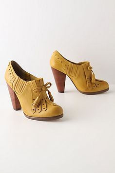 basically their yellow and they look vintage and I'll buy them.