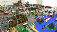 JANGBRiCKS LEGO reviews & MOCs: JANG's LEGO city Lego Zoo, City Layout, Lego City Sets, Lego Boards, Lego Modular, Cool Lego Creations, Never Grow Up, Lego Stuff, City Buildings