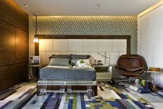 Casa Cor São Paulo 2014 | Atelier - detalhe legal na iluminação, mistura de madeira e papel de parede | #interiordesign #casacor #bedroom