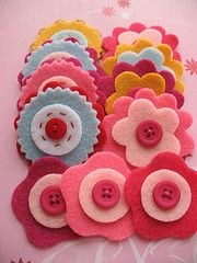 Beautiful felt flowers...my newest craft venture and obsession