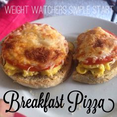 This tastes so good, you would never know it's for weight watchers. Ingredients: 1 egg (scrambled) 2 slices of tomato 1 lite English muffin ¼ cup fat free shredded cheese Directions: Scramble your. Weight Watchers Pizza, Weight Watchers Breakfast, Weight Watchers Chicken, Ww Recipes, Gourmet Recipes, Cooking Recipes, Healthy Recipes, Skinny Recipes, Breakfast Pizza