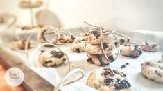 Ich habe wieder gebacken 😊 Dieses Mal sind es diese leckeren Hafer-Honig-Kekse mit gedörrten Zwetschken geworden! Hafer hat viele gesunde Inhaltsstoffe, die sehr gut und wohltuend für unseren Körper sind!  Gutes Gelingen beim nachbacken!  Liebe Grüße,  eure Christina 🌿 Nutella, Place Cards, Place Card Holders, Plum Recipes, Cereal Recipes, Oat Flour, Oat Cookies, Bakken, Types Of Cereal