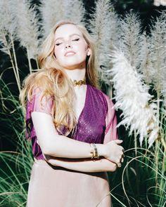 Pleníssima nessa noite de sábado Em destaque a estrela @giovannaadriano arrasando de body 'brilho merlot' lindo de morrer da @avaintimates e-shop de lingeries e bodies desejo que está na nossa curadoria especial. É só  procurar pela marca no site - link na bio! - para #shoponline os achados ;) . . . #moda #roupas #fashion #style #instafashion #look #ootd #picoftheday #lookoftheday #accessories #acessorios #Brasília #iLoveeBrasília  #shoponline #compras #compraonline