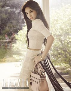 "miss A member Suzy has been selected to be the cover model for ""CeCi"" magazine's anniversary special issue, and has also been featured on ""Grazia"" magazine with her own photoshoot! Bae Suzy, Kpop Fashion, Asian Fashion, Kpop Girl Groups, Kpop Girls, K Pop, Miss A Suzy, Grazia Magazine, Korean Celebrities"