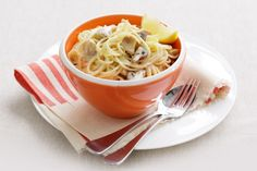 Speed through the checkout and zoom straight to the kitchen to create this delicious meal that is flavour-rich for the time poor. Lemon Spaghetti, Spaghetti Recipes, Pasta Dinners, Meals, How To Cook Mushrooms, Good Food, Yummy Food, Stuffed Mushrooms, Veggies