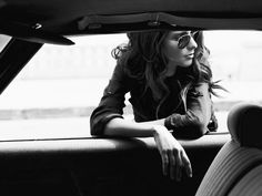 Cars photography poses girl style 51 ideas for 2019 Car Photography, Portrait Photography, Desert Photography, Lifestyle Photography, Car Poses, Retro Mode, Modeling Poses, Shooting Photo, Photo Couple