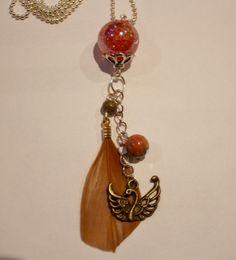 Collier sautoir féérique avec perle pailletée rose, perle semi-précieuse, plume et cygne couleur bronze chez popocréations.  http://www.alittlemarket.com/collier/collier_sautoir_a_plume_rose_marron_et_bronze_-5601329.html