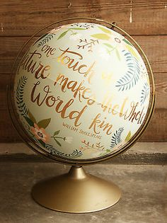Floral Hand-Painted Globe - I love this! What a way to reuse an old, outdated globe and add flare to the home! Painted Globe, Hand Painted, Globe Art, Arts And Crafts, Diy Crafts, World Globes, Do It Yourself Home, Diy Art, Just In Case