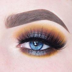 Mustards make blue eyes pop! 👀🍂🍯 Full eye look using #VENUS2 via @beautycloudnl