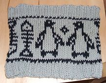 Ravelry: Little Penguin Collection: Penguin & Fish Skeleton Borders pattern by Erssie Major
