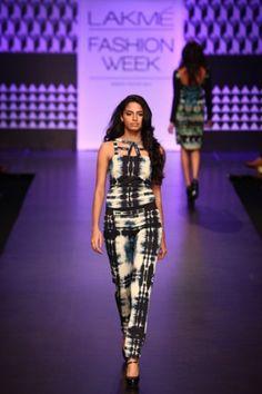 Global Desi, Lakme Fashion Week, Fall Winter, Autumn, Fashion Forward, Fashion Show, Runway, India, My Style