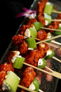Buffalo wing bites wedding appetizer party entertaining food ideas hors d'oeuvres bleu cheese cel Buffalo Wings, Wedding Appetizers, Appetizer Party, Appetizer Ideas, Summer Party Appetizers, Summer Appetizer Recipes, Holiday Appetizers, Halloween Fingerfood, Halloween Parties