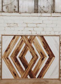 Reclaimed Wood wandelte sich in Wandkunst um - Aleksandra Zee, Diy Wood Wall, Reclaimed Wood Wall Art, Reclaimed Wood Projects, Reclaimed Wood Furniture, Wooden Wall Art, Diy Wall Art, Salvaged Wood, Pipe Furniture, Barn Wood
