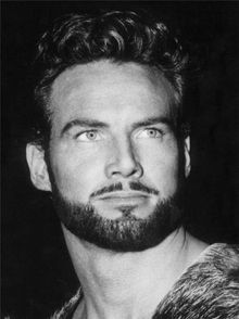 Hercules - Steve Reeves - 1926 - 2000 this guy looks like a freakin abercrombie model and he lived soooo long ago! (when he is older)