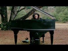 Iris Hond | Dear World (Official Videoclip) - YouTube