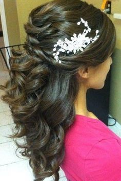 Love this so pretty and simple but would look amazing with a vintage clip/headband
