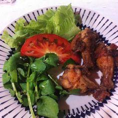 Primeira do dia! Almoço de baixo carboidrato que proporciona saciedade por horas. Com bastante azeite de oliva. #LowCarb #lchf #Paleo #PaleoDiet