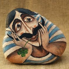 Painted rocks have become one of the most addictive crafts for kids and adults! Want to start painting rocks? Lets Check out these 10 best painted rock ideas below. Pebble Painting, Pebble Art, Stone Painting, Rock Painting, Stone Crafts, Rock Crafts, Art Pierre, Rock And Pebbles, Hand Painted Rocks