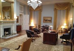 "Production design of ""House of Cards"" – interview with Steve Arnold · Pushing Pixels. Victorian Chandelier Charleston 8+4"
