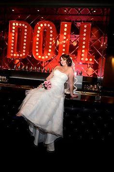 White Wedding Flowers The Chapel At Planet Hollywood Las Vegas Https Www Caesars Things To Do Weddings Wp5rhftn