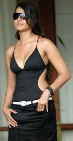 If you are lucking for the Anushka Shetty Bikini Images then you are in the right place. Here we are sharing some Anushka Shetty Bikini and Swimwear Images.