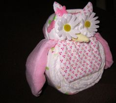 Baby Shower Owl.  Love that the receiving blanket, diapers and washcloths are able to be used. Great gift  idea and also for decoration at shower.
