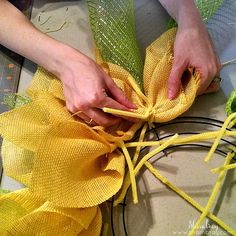 Make a Sunflower Wreath-Yellow Burlap, green deco mesh, wire wreath form, chenille stems Burlap Crafts, Wreath Crafts, Diy Wreath, Wreath Burlap, Wreath Ideas, Tulle Wreath, Peacock Wreath, Burlap Projects, Wreath Making