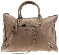 still in LOVE with this bag, one day.. it will be mine, black or beige, hard to choose..