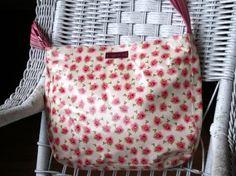 Love this purse.